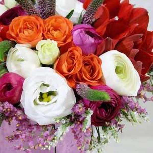 Vestidos de novia y organizacion de bodas. Flores